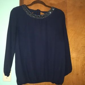 3/4 sleeve Charlotte Russe shirt with tie back